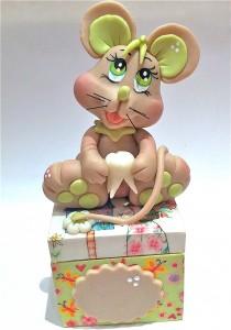 GRAND CONCOURS... Une souricette comme cadeau !!! img_0463-210x300
